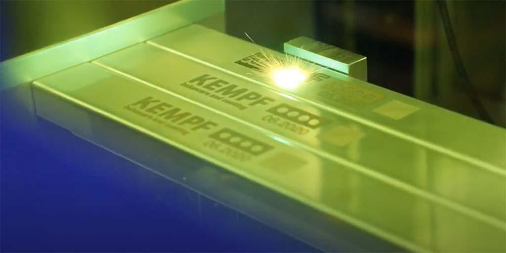 NEU! Laserbeschriftung für Ihre Anlagenbleche